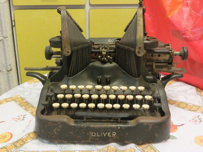 Oliver 10